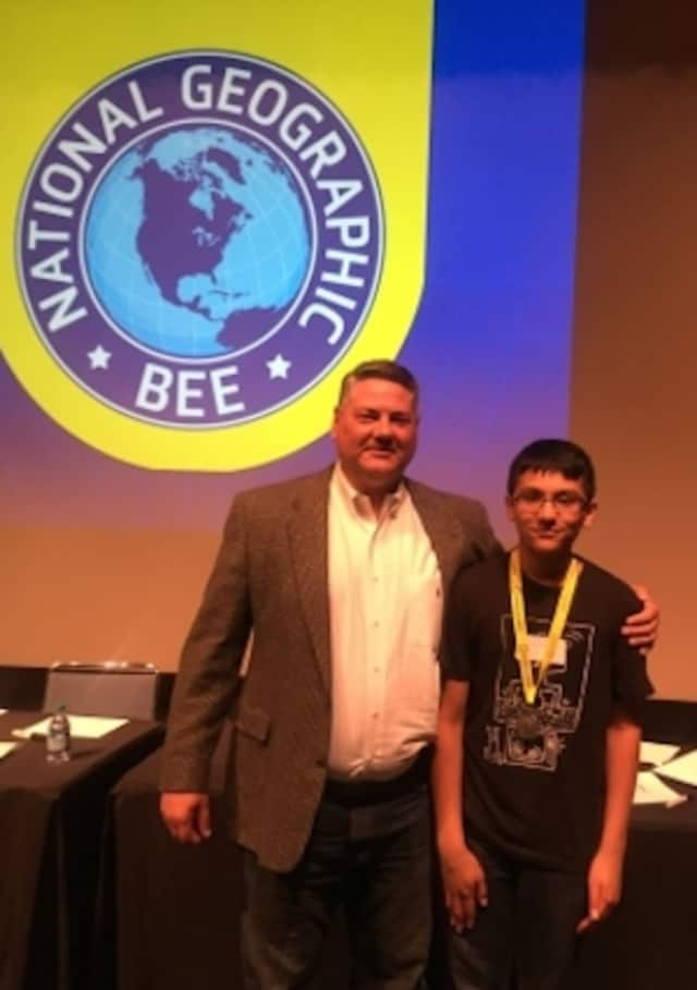 Ritwik Bose, an eighth-grader at Scotts Ridge Middle School in Ridgefield, and his mentor, Chris Peterson, at the state finals of the National Geographic Bee.