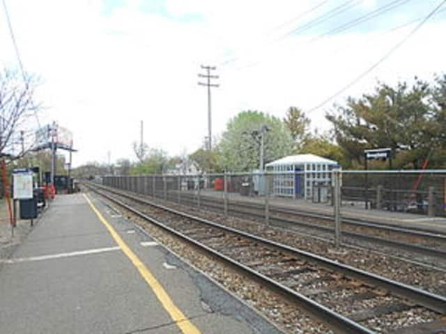 A new ordinance would create a no-stopping/standing zone near the Fair Lawn train station on Broadway.