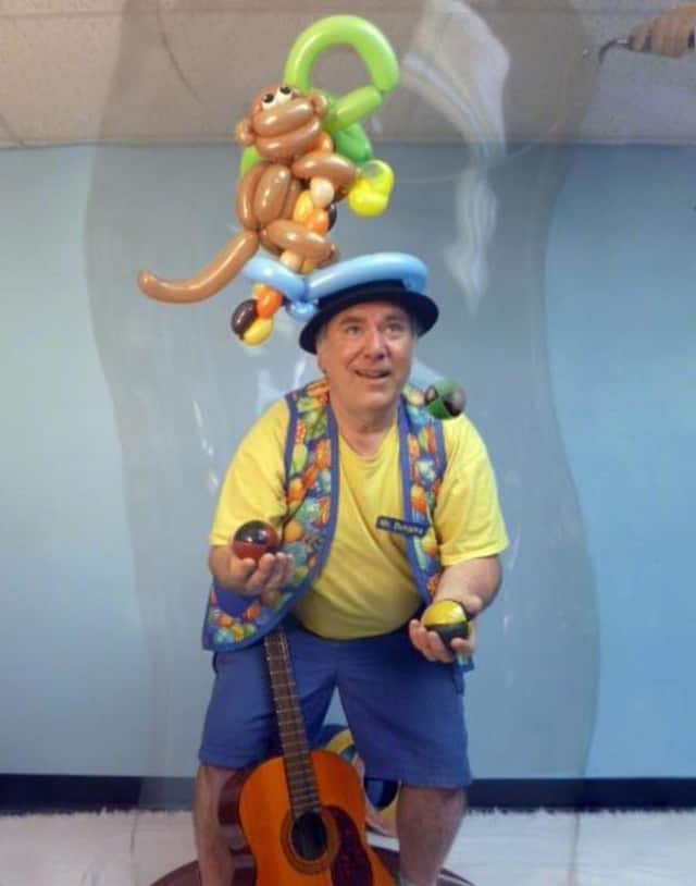 Connecticut clown Mr. Bungles will conduct a magic workshop at the Pound Ridge Library on Tuesday, Dec. 29.