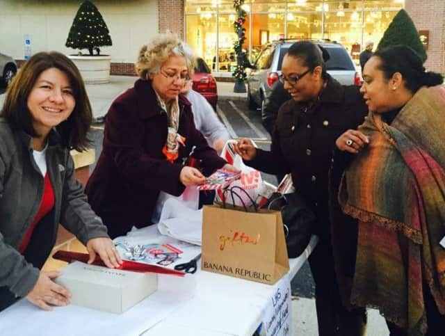 Leonia High School's expert wrappers will be outside Can Do Fitness at Edgewater's City Place from 10:30 a.m. to 7 p.m. Saturday, Dec. 12 & 19