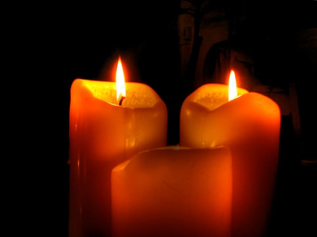 CT Against Gun Violence will hold a candlelight vigil for the victims of the Las Vegas massacre Wednesday.