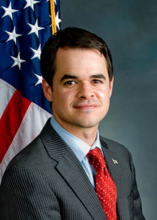 David Carlucci is sponsoring free training in the use of an antidote to heroin and opioid overdoses later this month in Westchester and Rockland counties.