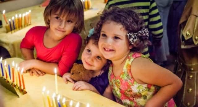 Greenwich's Jewish Day School students, Chabad of Greenwich's Hebrew School students and children from Chabad of Greenwich's Gan Preschool will perform at the outdoor Menorah lighting.