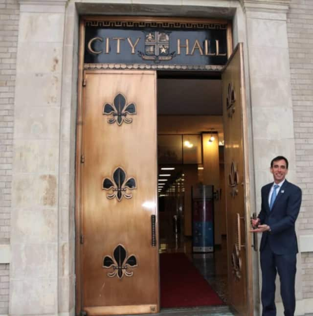 New Rochelle Mayor Noam Bramson welcoming the public through the front doors of City Hall for the first time in years.