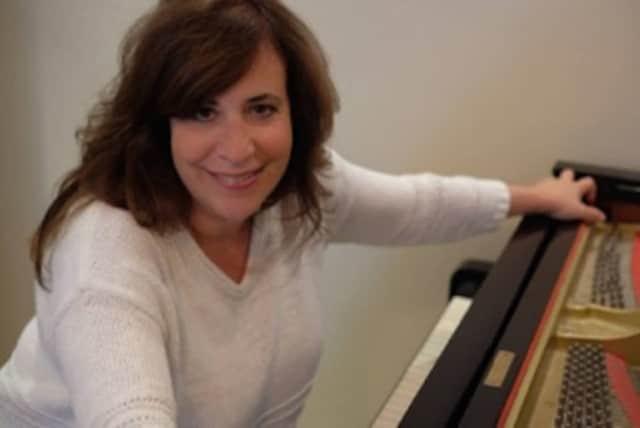 Pianist Claudia Knafo