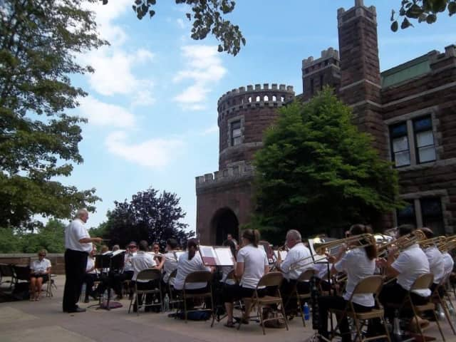 The Clifton Community Band concert begins at 6 p.m., Saturday.