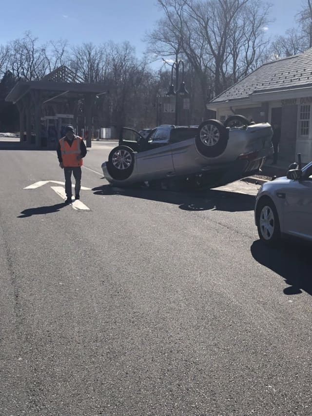 A driver who lost control of their vehicle landed in the parking area of a service plaza.