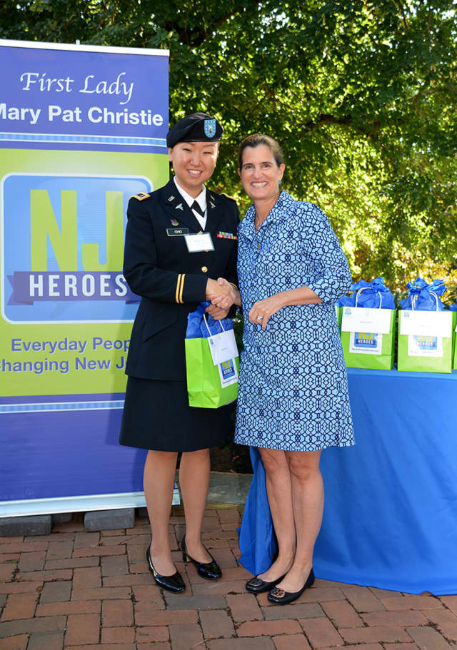 1st Lt. Debra Cho honored by First Lady Mary Pat Christie as an NJ Hero.