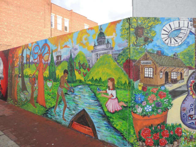 Poughkeepsie residents will get to weigh in on what mural they want for the city.