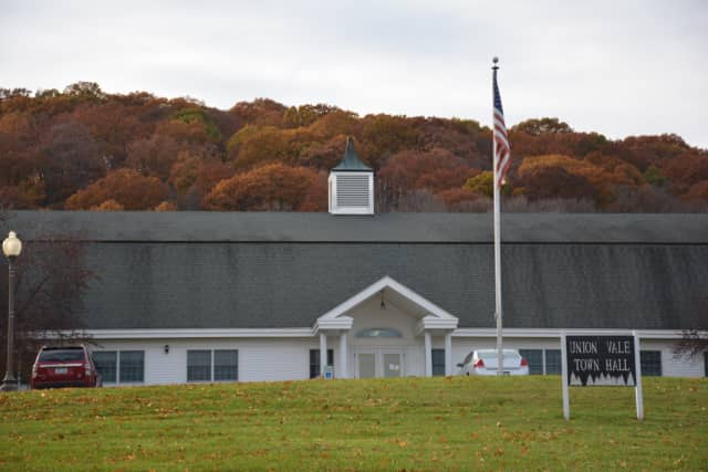 Based on a three-year signed agreement between the Mid-Hudson Library System and the Union Vale Town Board, MHLS has removed a restriction on loaning non-print library materials to Town of Union Vale residents.