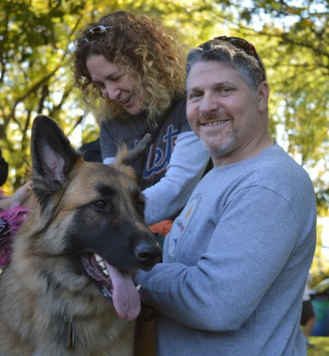 The Cresskill Education Foundation is inviting humans and dogs to a fundraiser on May 21.