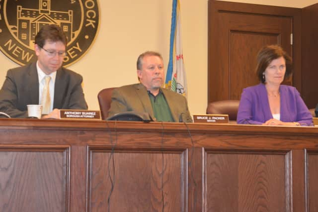 Glen Rock's Mayor and Council voted to introduce an ordinance banning the sale of puppy mill dogs
