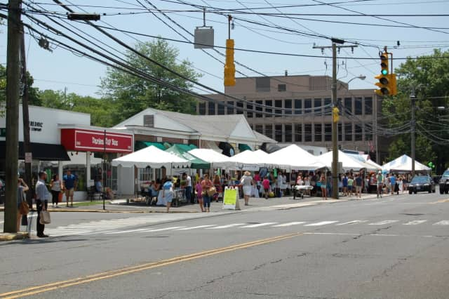 "This Connecticut community, also known for its annual summer ""Sidewalk Sales,"" was ranked as the nation's eighth richest town."