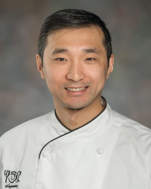 Oradell native David Lopatynski joins Wegmans Montvale as executive chef.