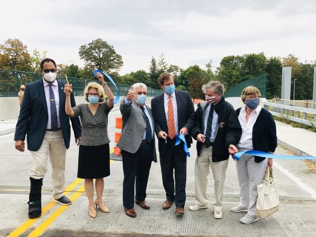 The New York State Thruway Authority today announced the completion of the Grace Church Street Bridge (milepost 14.46) over the New England Thruway (I-95) in Westchester County.