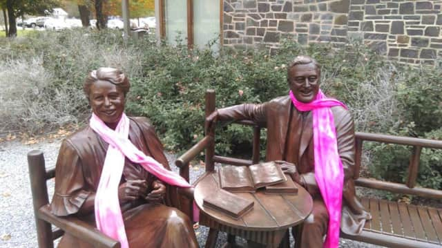 The Franklin D. Roosevelt Library and Museum in Hyde Park, N.Y, is announcing its holiday hours ... and it looks like the first couple are ready for the winter, too. The bronze statues of Eleanor and Franklin there are festooned with cozy scarves.