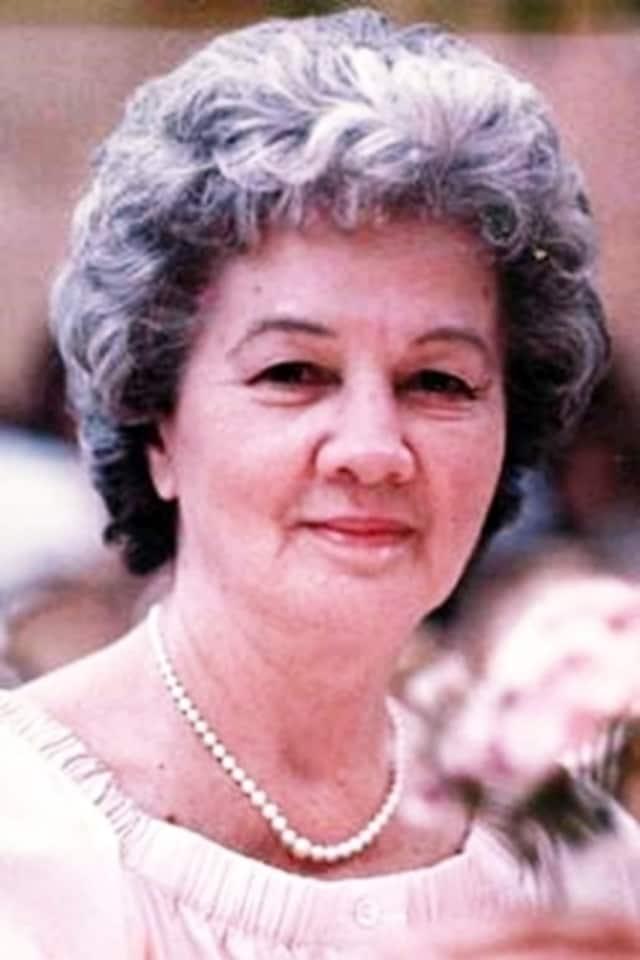 Elizabeth Swenda Lynch
