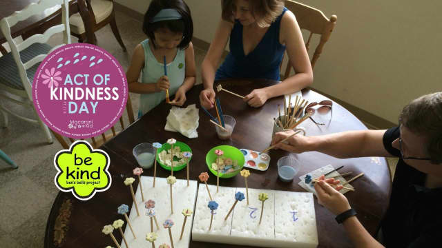 Macaroni Kid invites local families to a Family Paint Night at Ben's Bells CT on Friday.