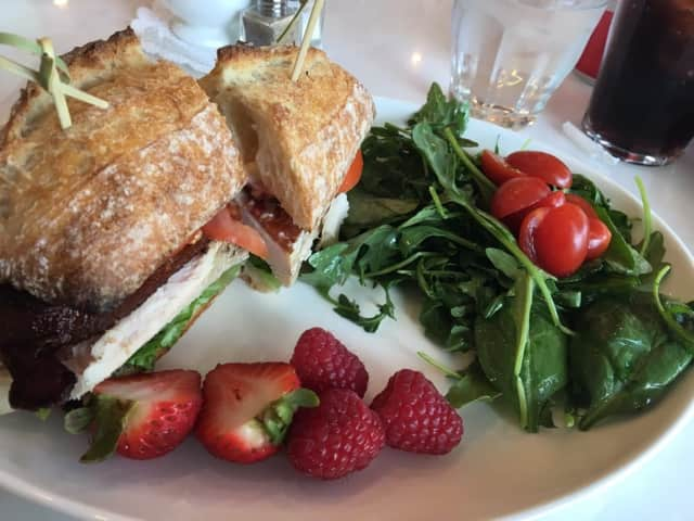 Farmers Table is a hot spot for eats in New Canaan