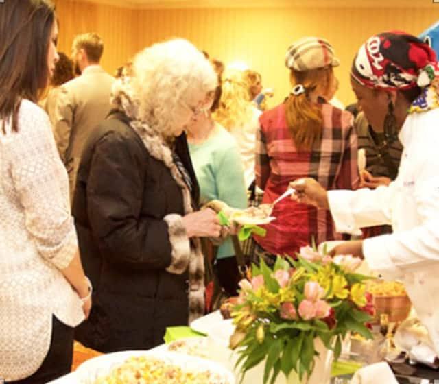 'Giants Of Generosity' Organizes 'Celebrity Food & Wine Show' in Tenafly.