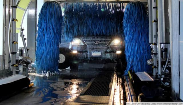 Fred's Car Wash is offering free car washes to veterans and current military service personnel on Veterans Day.