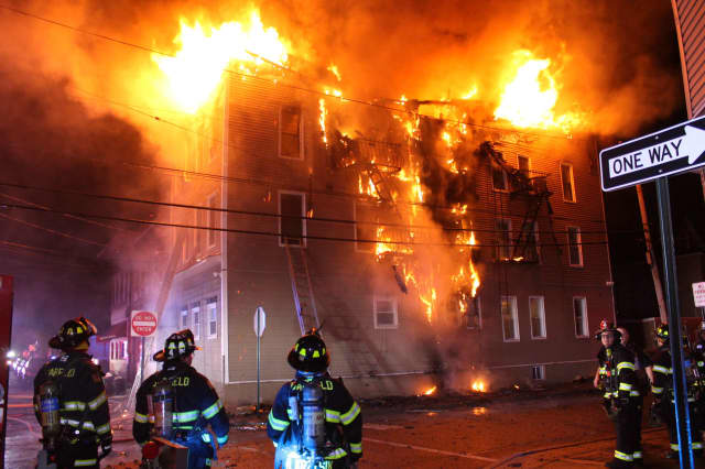 Photos Roaring Blaze Destroys Garfield Apartment Building Garfield Lodi Daily Voice