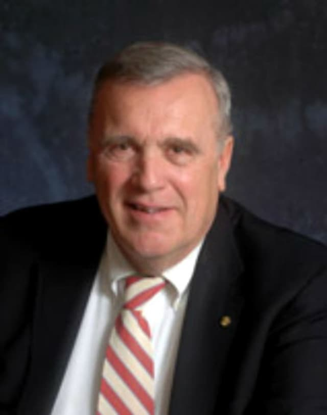 George D. Fosdick, who has been mayor of Ridgefield Park since 1992, will be a candidate for re-election in the May 10 election.