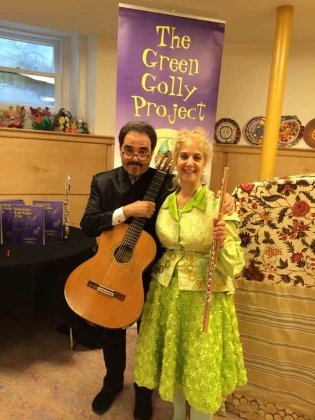 The Green Golly Project will perform at the Palisades Park Public Library.