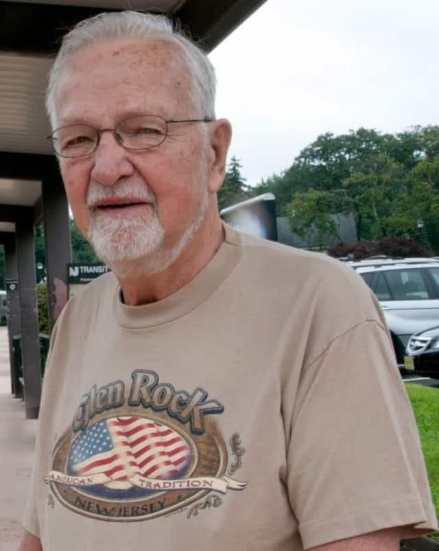 Former Glen Rock Mayor Richard Hahn (2000-03) died Tuesday. He was 89.