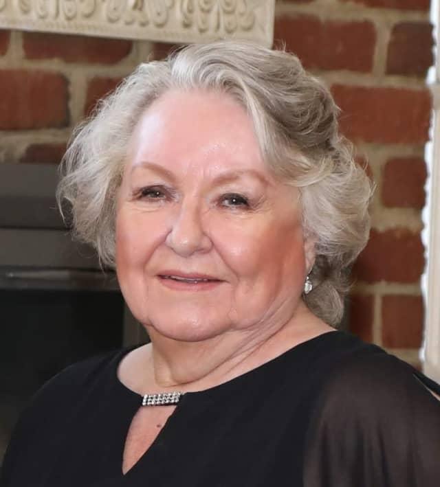 Elsa Hassani, 76