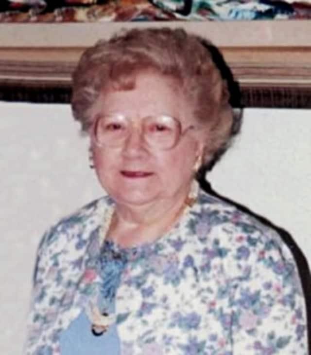 Helen E. (Slominn) Clapper