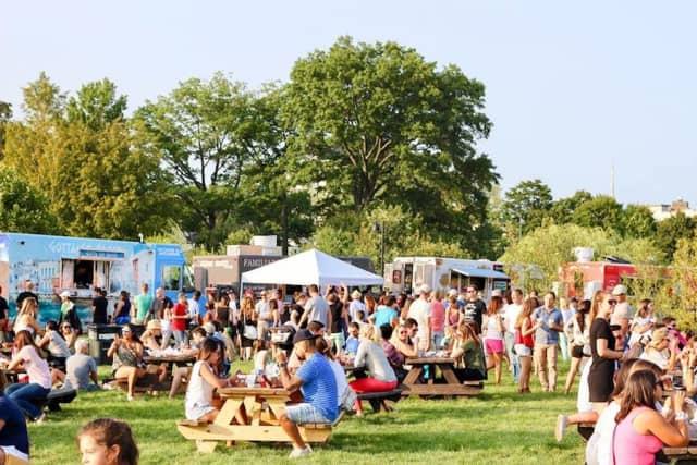Visitors enjoy the 2017 Hey Stamford! Food Festival.