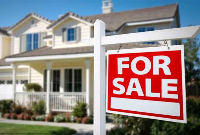 Home sales in Suffolk County hit a 10-year high mark, Long Island Business News Says.