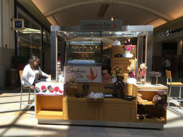 Gardenia's Fire has opened a pop-up location at the Outlets at Bergen Town Center in Paramus.
