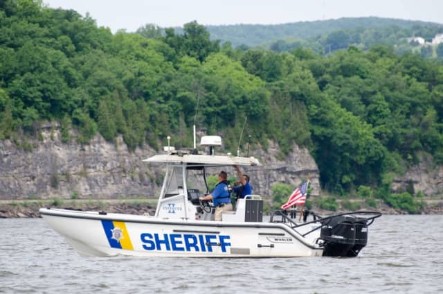 Members of the Dutchess County Sheriff's Office Marine Unit rescued a man stranded on his boat in the river.