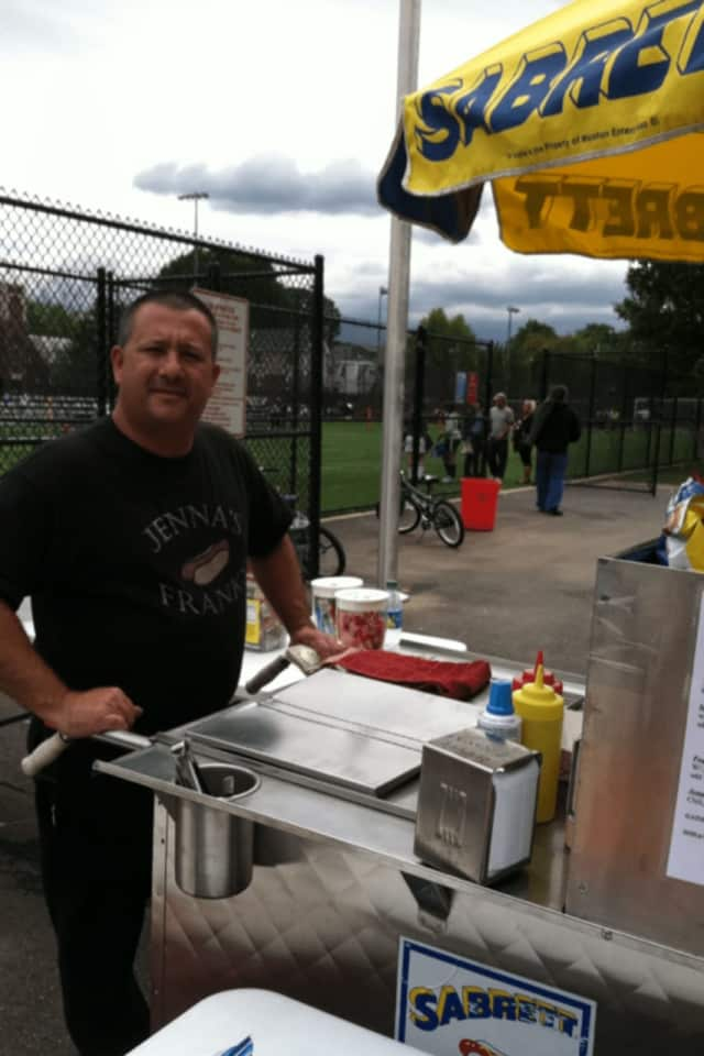 Sgt. Rodney Telleri with his hot dog stand.