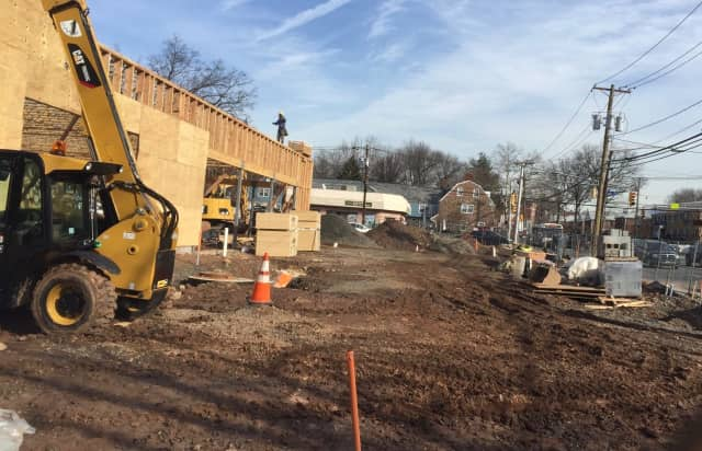 A new 7-Eleven is being constructed in Teaneck.