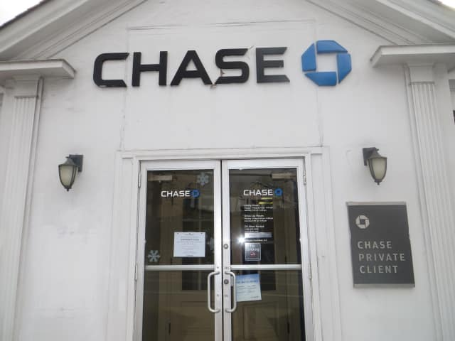 Chase Bank announced that this branch at 10 Marble Ave., close to the Saw Mill River Parkway in Thornwood, will close. On Dec. 17, 2015, customers were met by a temporarily closed sign after a robbery. There was another robbery try in January 2016.