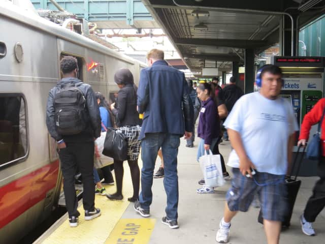 A downed tree in Hartsdale is resulting in Metro-North Harlem line delays of up to 40 minutes early Tuesday evening.
