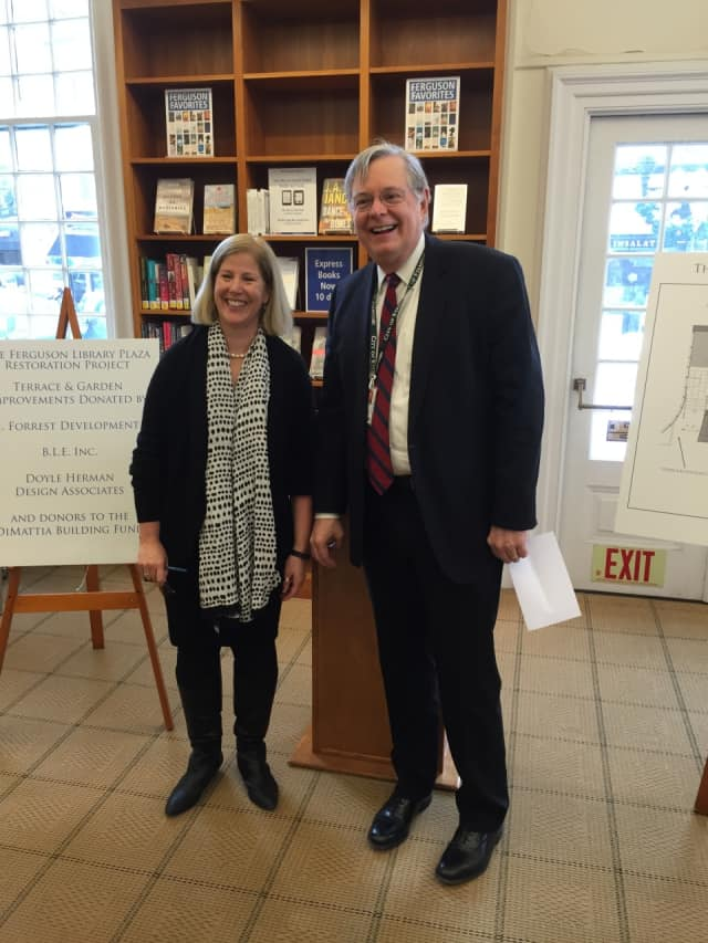 Stamford Mayor David Martin poses with Ferguson Library President Alice Knapp.