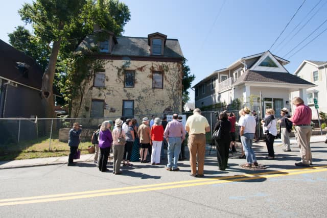 Citizens, preservationists and public officials celebrate donation of John Green House.