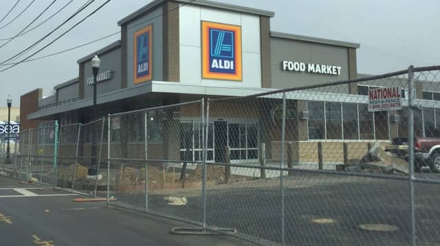 Aldi is going up in Hackensack.