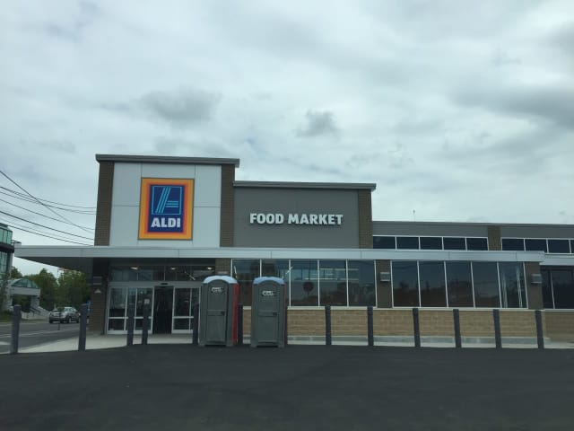 Aldi Food Market in Hackensack is set to open.