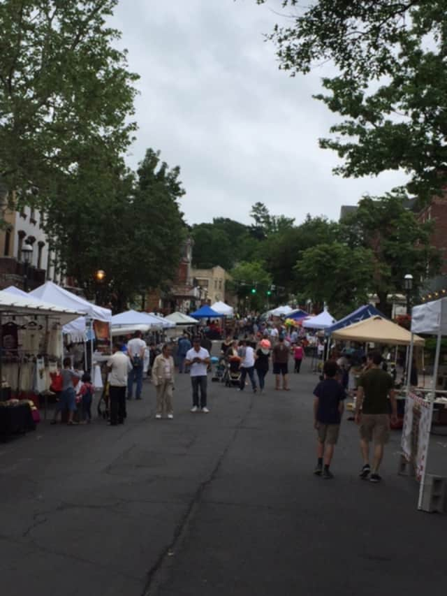 Rainy weather did not wash out this past weekend's Tarrytown annual street fair which drew over 60 vendors.