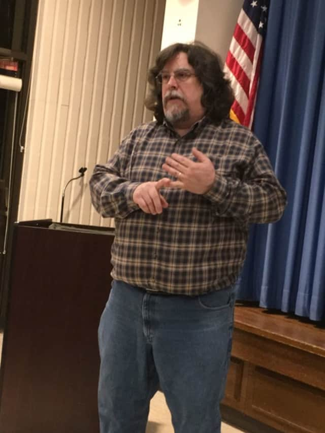 Jim Gifford explains how to get rid of cable in a talk at the Trumbull Library.