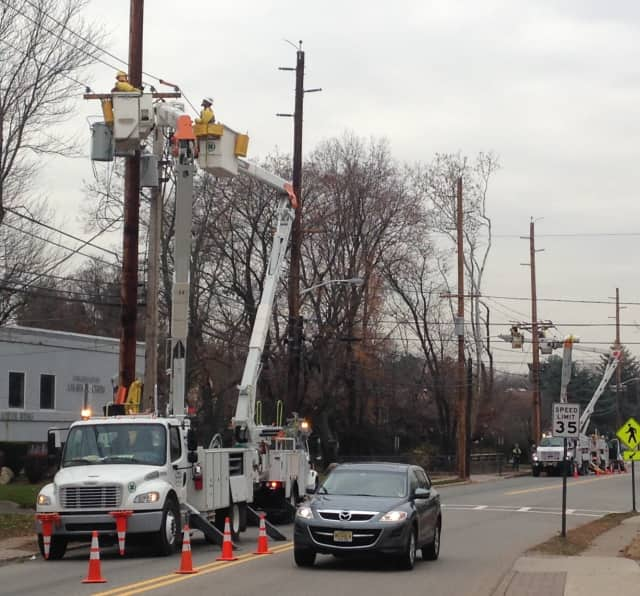 PSE&G will be doing utility pole replacements along some Lodi roadways Thursday.