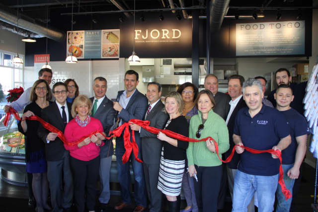 Fjord Fish Market celebrates the opening of the new location in Darien.