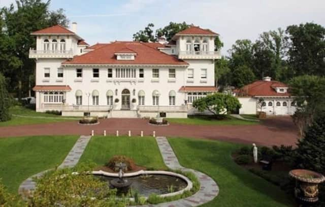 Englewood's Gloria Crest estate is going to auction.