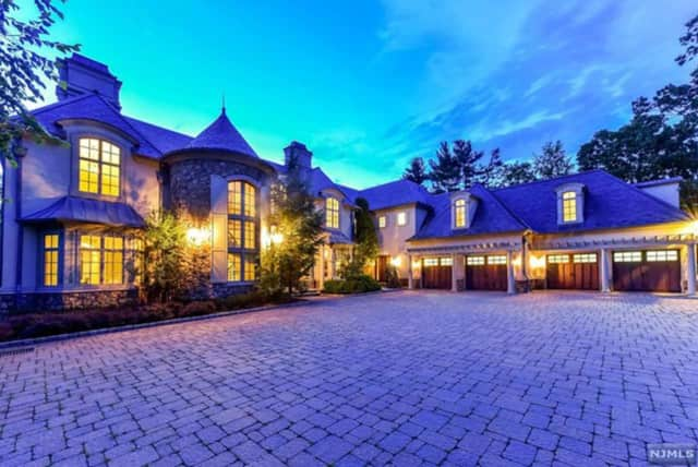 Mary J. Blige's Saddle River home is listed at $6.98 million.