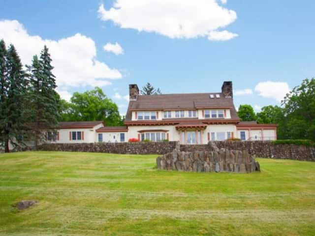 This $14.5 million home tops the real estate listings in Mahwah.